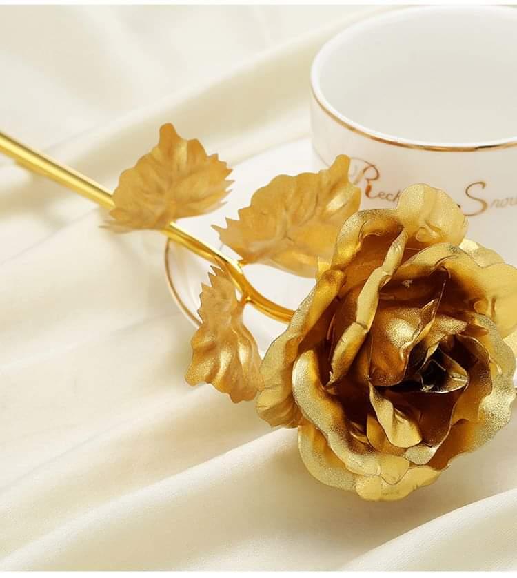 24 karaat gouden roos
